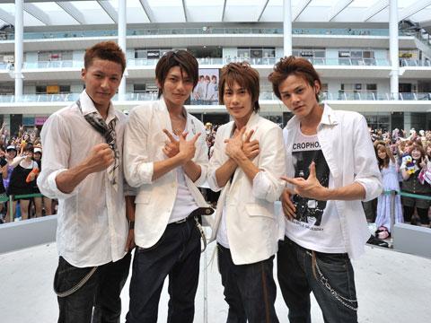 Lead プロフィール(Hiroki 、Shinya、Keita、Akira)